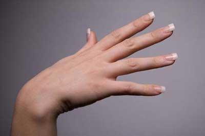 دستورالعمل های بهداشتی برای داشتن ناخن های بلند و زیبا