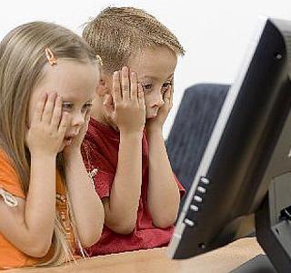 راهنمای سنی کودکان در استفاده از اینترنت