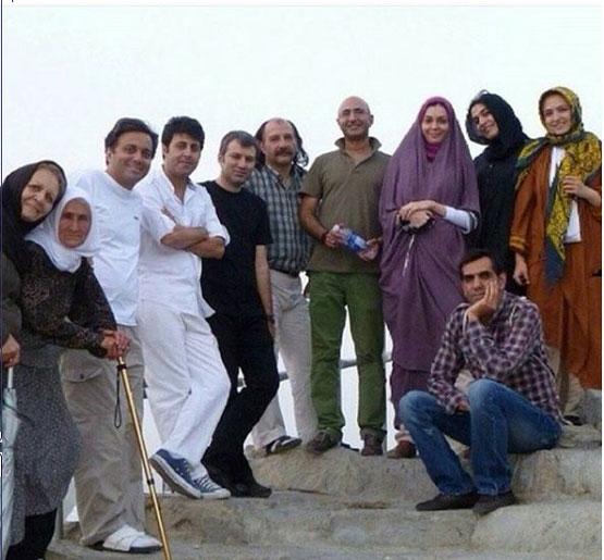 عکس: آزاده نامداری و دیگر هنرمندان در سفر مکه