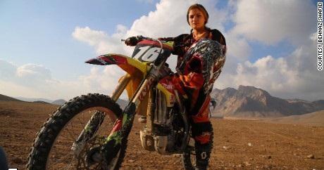 بانوی موتورسوار ایرانی سوژه سیانان +عکس