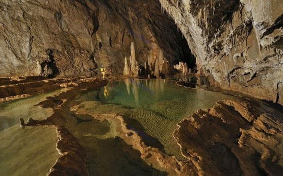 تصاویری از غارهای زیبای دنیا