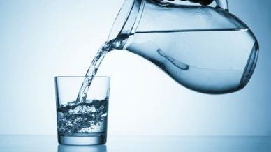 آیا نوشیدن آب تاثیری بر روی زیبایی دارد
