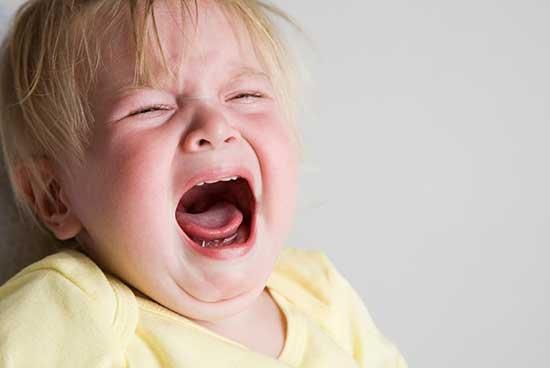 10 راه برای آرام کردن کودک بدخلق