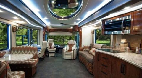 اتوبوسی لوکس با تمام امکانات یک خانه