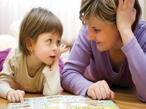 25 رفتار که باید به کودکتان بیاموزید