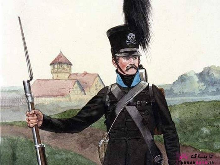 عجیبترین لباسهای رسمی و نظامی در تاریخ
