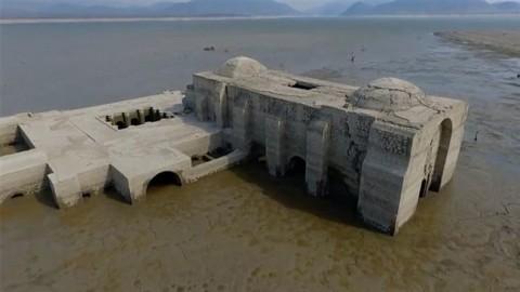 ظهور کلیسای 400 ساله در نتیجۀ خشکسالی در مکزیک