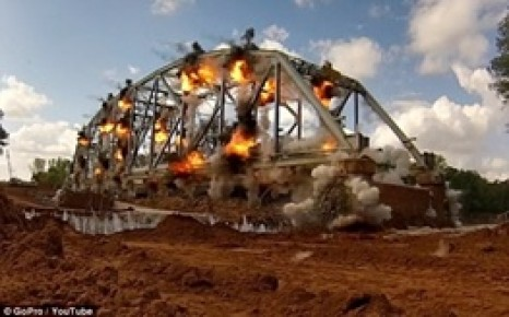 لحظه انفجار پلی 73 ساله