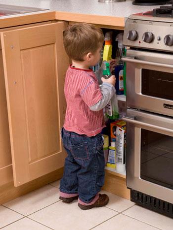 خطرات پودرهای لباسشویی برای سلامت کودکان