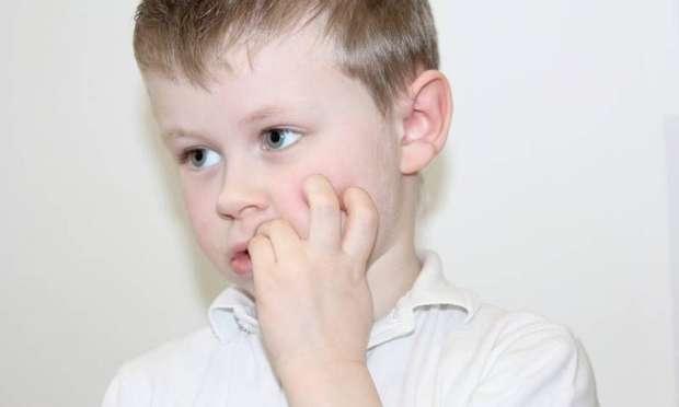 ناخن جویدن و مشکلات رفتاری کودکان