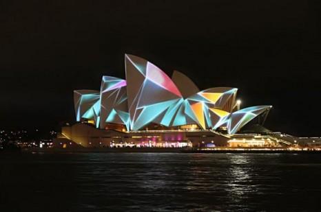 جشنواره نورهای رنگی در سالن اپرای سیدنی