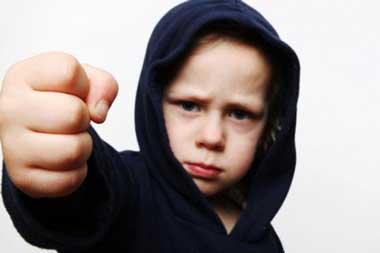 فرزندان کمتحمل نتیجه چه والدینی هستند