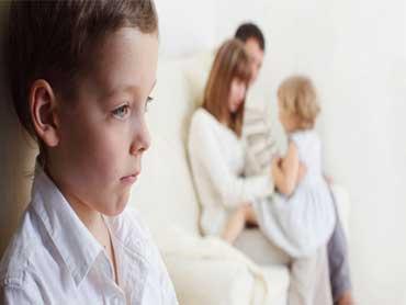 چرا نباید فرزندانتان را با کودکان دیگر مقایسه کنید