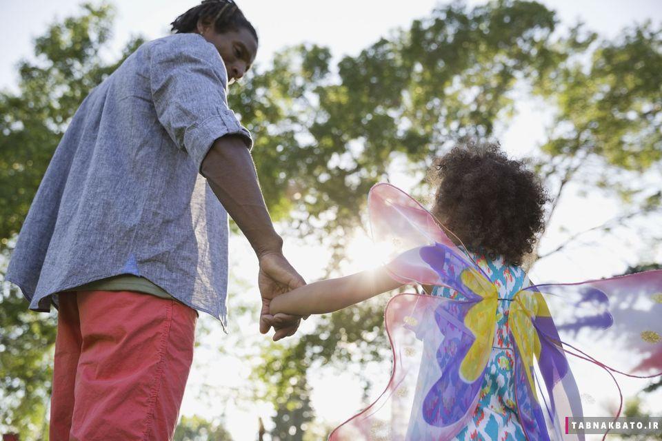 بزرگ کردن فرزند دختر به عنوان یک پدر مجرد