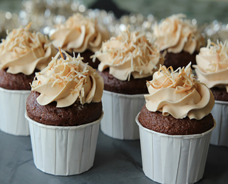 مینی کیک کره بادام زمینی؛ عصرانهی زمستانی