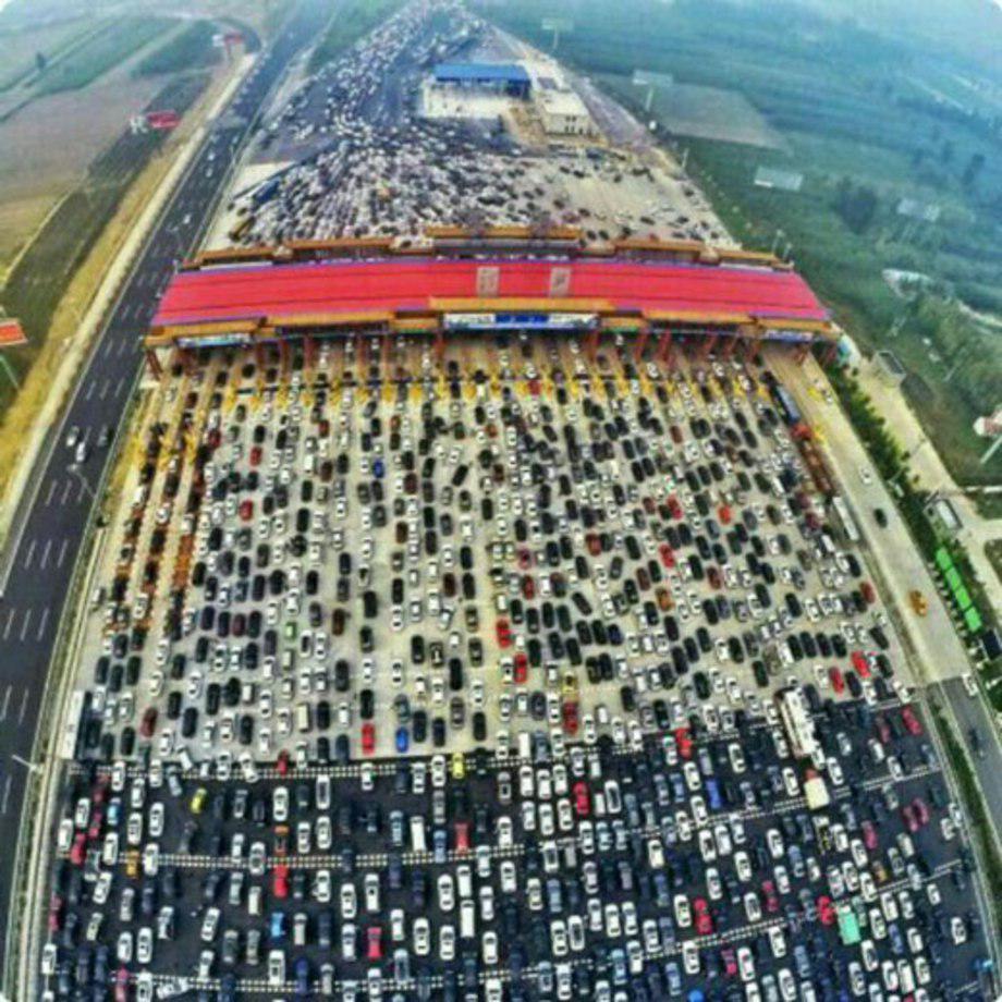 ۳۸۵ میلیون خودروی تکسرنشین در چین+عکس