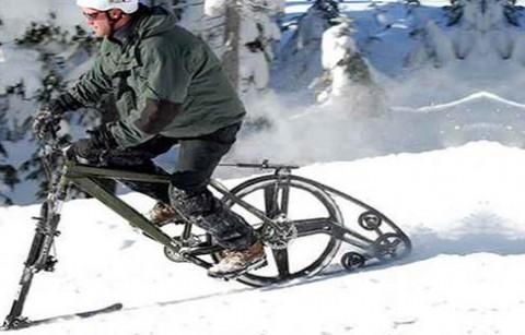 دوچرخه سواری در پیست اسکی!