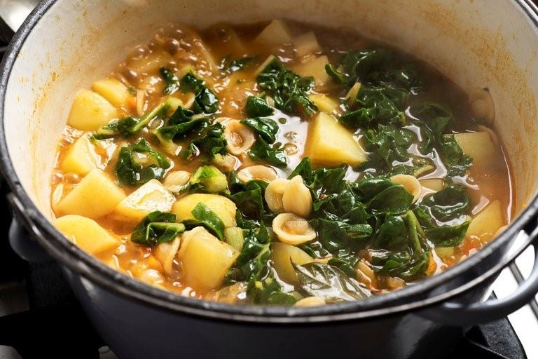 يك سوپ رضايت بخش از آشپزخانه ايتاليايي