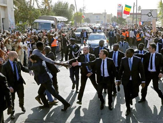 واکنش به موقع محافظان رئیس جمهور +عکس