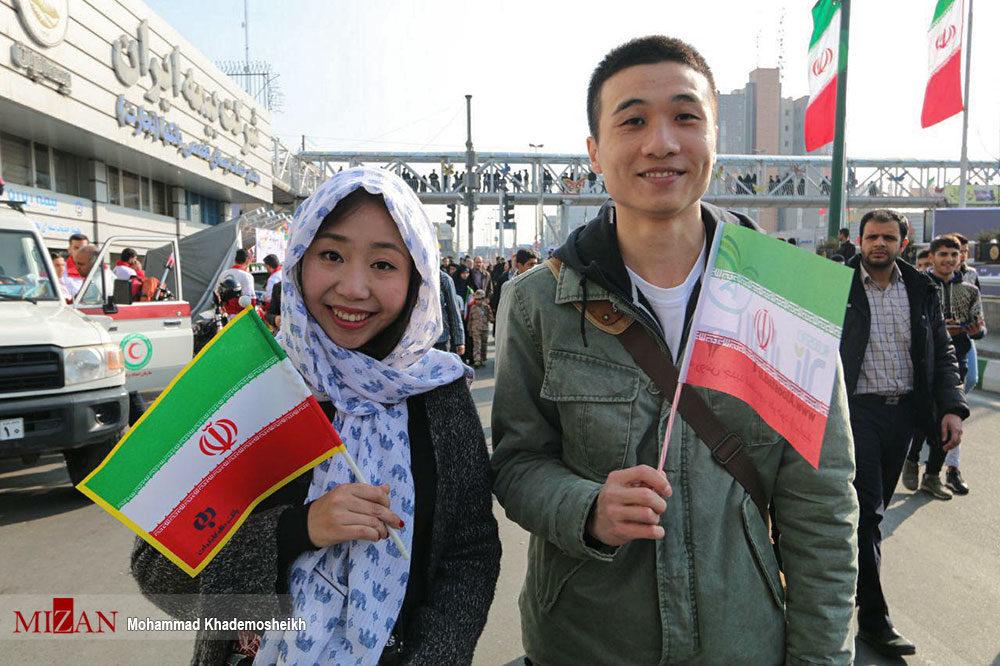 چشم بادامیها در راهپیمایی ۲۲ بهمن +عکس