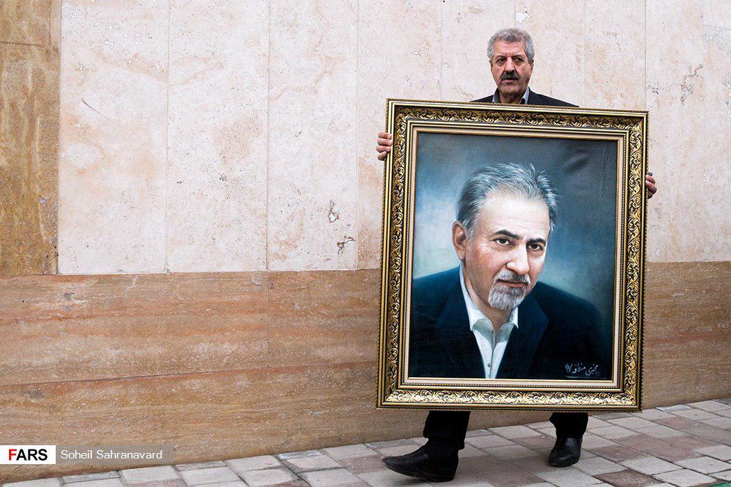 پاچهخواری شهردار تهران در روز روشن+عکس