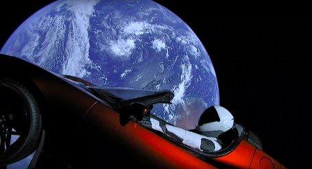 رودستر ایلان ماسک و زمین، همین الآن، یهویی +عکس