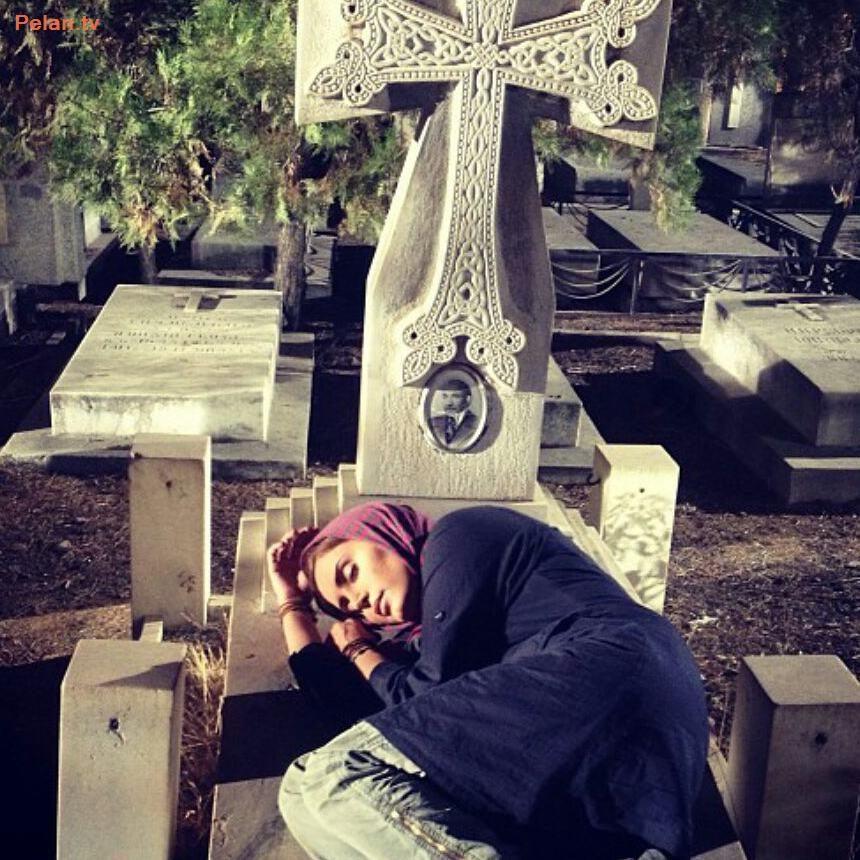 «الناز شاکردوست» در قبرستان ارامنه+عکس