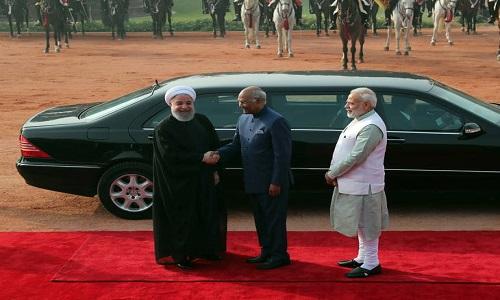 خودروی تشریفات روحانی در هند +عکس