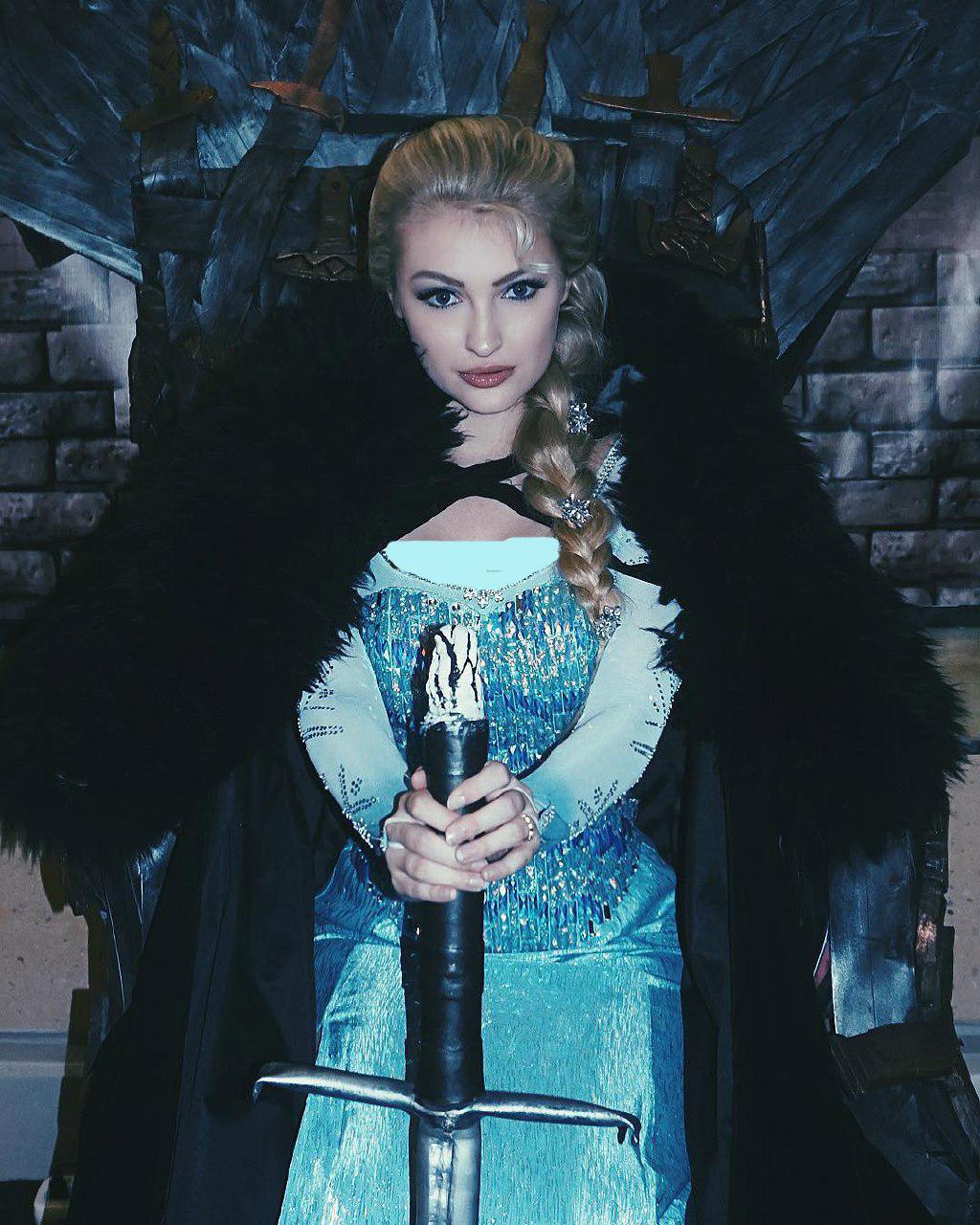 السا و انا ملکه