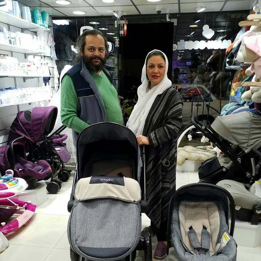 زیبا بروفه و همسرش در یک مرکز خرید + عکس