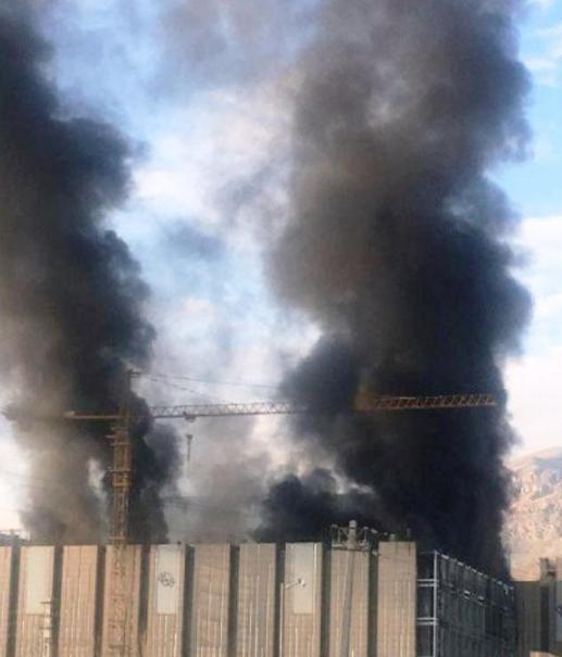 آتش سوزی در ساختمان «ایران مال»حوالی چیتگر + عکس