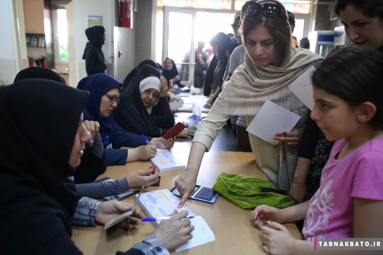 روایت تصویری رویترز از حضور زنان و مردان در انتخابات ایران