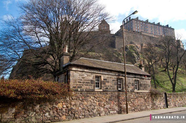 کلبهی گرجستانی در زیر قلعهی ادینبورگ به روایت تصویر