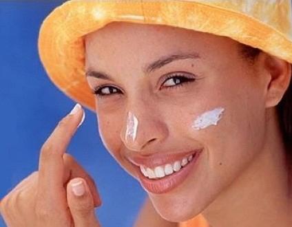 ۱۰ ضد آفتاب های طبیعی برای فصل تابستان