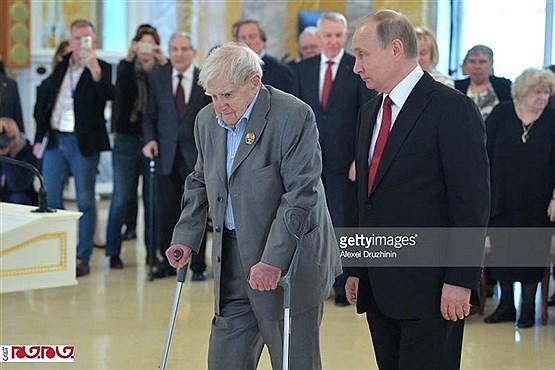 نویسندهای که پوتین برایش گریست+عکس