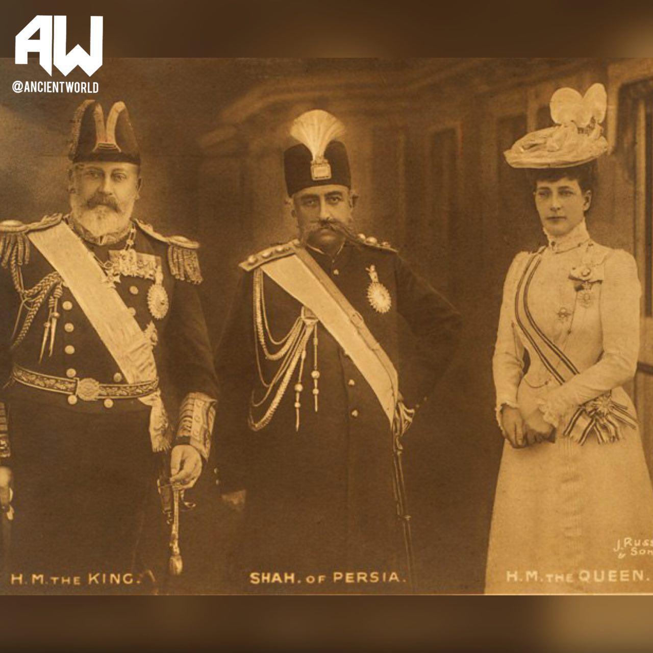 ژست مظفرالدین شاه در کنار پادشاه و ملکه +عکس