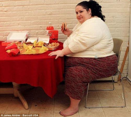 این زن قصد دارد چاقترین زن جهان شود! +عکس
