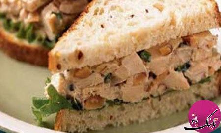 ساندویچ مرغ و گردو، لذیذ و مقوی