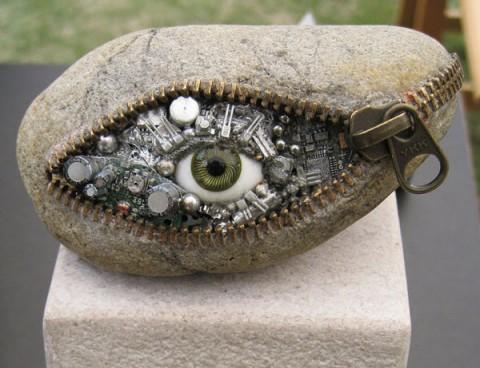 مجسمه های باورنکردنی از سنگ های ساحلی