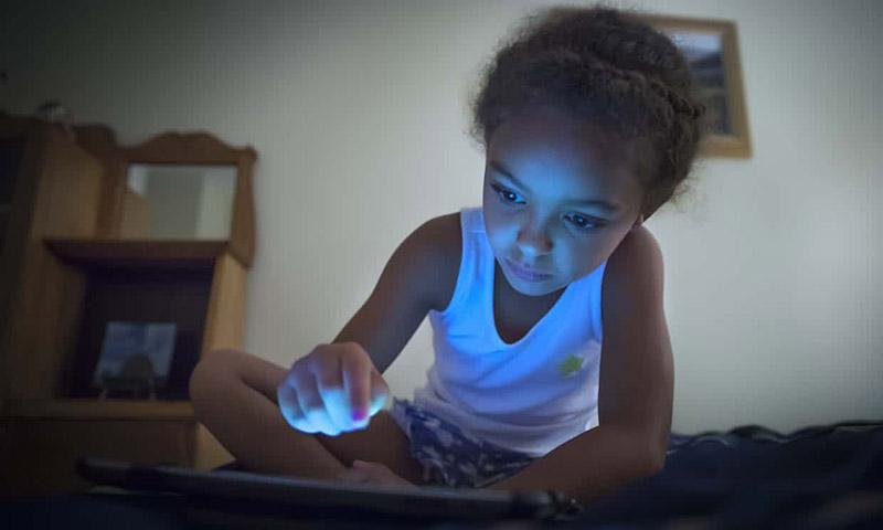 چرا جوانان کتابهای الکترونیکی را دوست ندارند؟