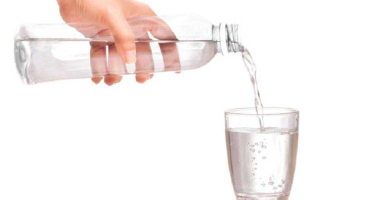 شرایط بدن وقتی ۳۰ روز تنها آب بنوشید