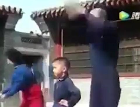 قدرت فوقالعاده پسر بچه آهنین