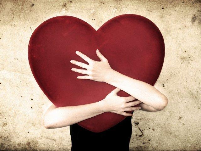 از منظر علمی چرا عشق کور است؟