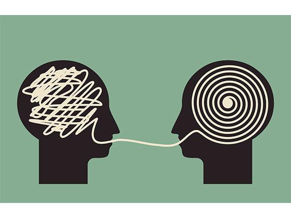 افکار چه کسانی در حوزه دانایی جامعه تأثیر گذار خواهد بود؟