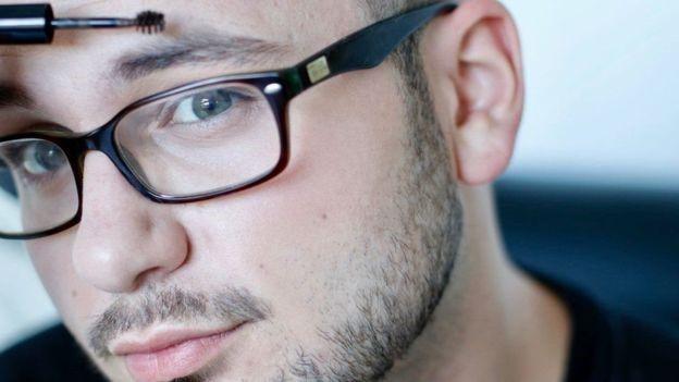 آرایش مردان دیگر تابو نیست؟