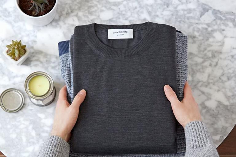 روش صحیح شستن لباس بافتنی و پشمی