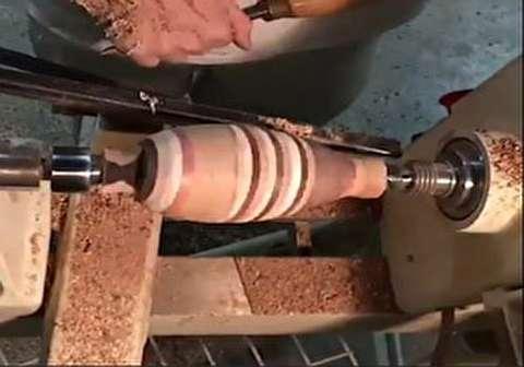 ساخت اثر هنری با استفاده از چوبهای دور ریز