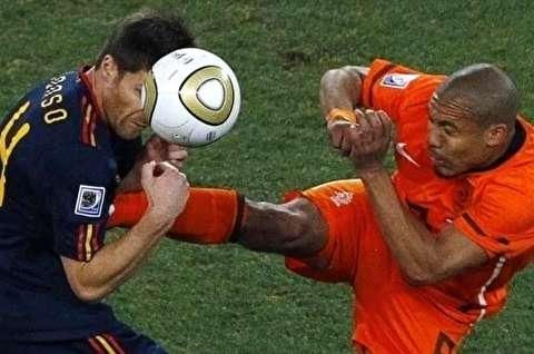 حرکات خشن و عجیب بازیکنان فوتبال