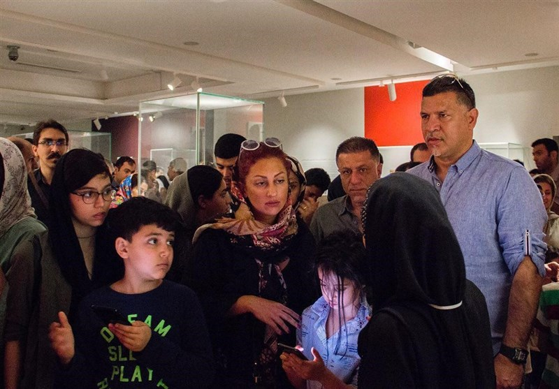 بازدید خانوادگی علی دایی از موزه لوور +عکس