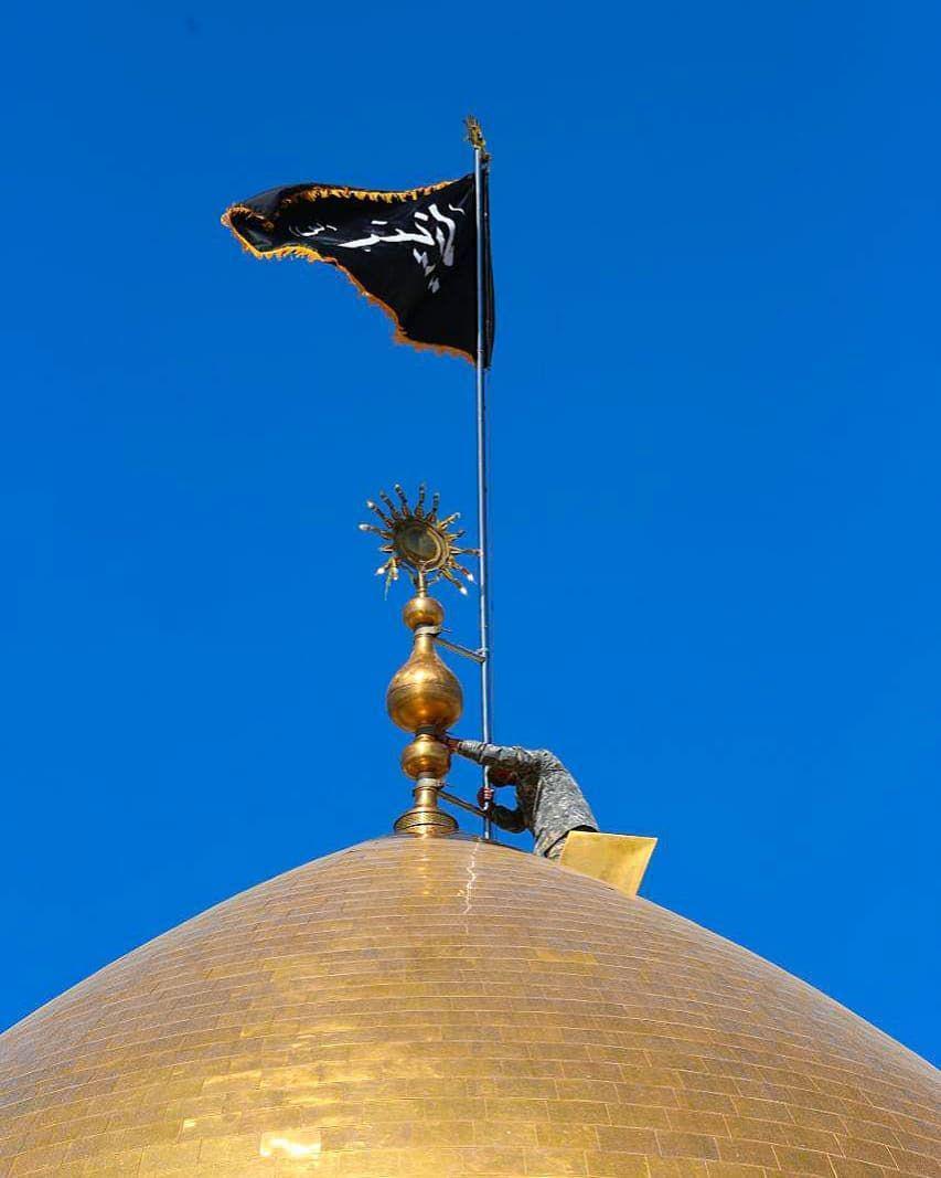 تعویض پرچم گنبد حرم حضرت زینب (س) +عکس
